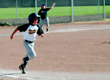 Meeker baseball team advances