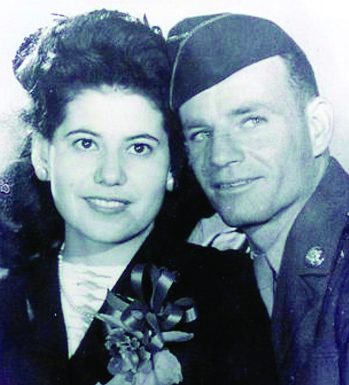 "Beatrice Madero married Raymond Roy ""Junior"" Hume, Nov. 15, 1945, two days after Hume returned home from World War II."