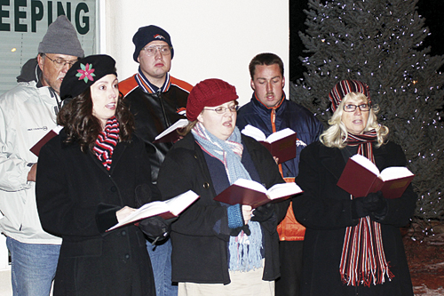 phrgsanta carolers