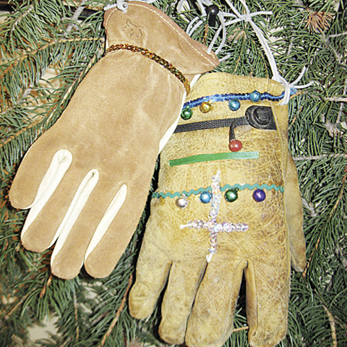 ph rbcCapitolTree_gloves