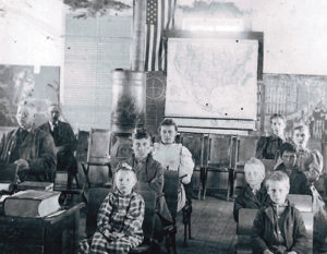 phBUFCoalCreekSchool in 1896