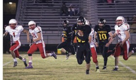 Meeker gridders top Hotchkiss, 36-14; Cowboys play Platte Canyon in playoffs